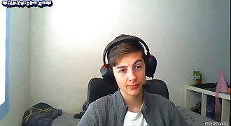 Danish 18 Yo Teen Boy With Headset & Onanism Showtime