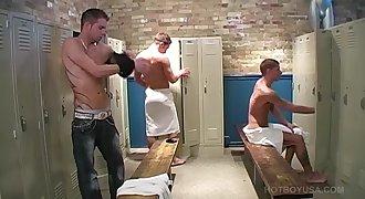 Youthfull Bath House Threesome